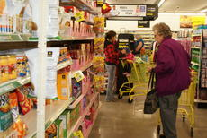 """<div class=""""source"""">Linda Ireland</div><div class=""""image-desc"""">Hazel Hodges of Hodgenville checked out the variety of items in the Magnolia Dollar General Store.</div><div class=""""buy-pic""""><a href=""""/photo_select/12948"""">Buy this photo</a></div>"""