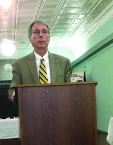 """<div class=""""source"""">Photo by Melanie Wells</div><div class=""""image-desc"""">Al Rider, president of the Central Kentucky Community Foundation was the guest speaker at the Jan. 15 LaRue County Chamber of Commerce luncheon. </div><div class=""""buy-pic""""><a href=""""http://web2.lcni5.com/cgi-bin/c2newbuyphoto.cgi?pub=029&orig=chamber_al_rider.jpg"""" target=""""_new"""">Buy this photo</a></div>"""