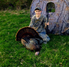 """<div class=""""source""""></div><div class=""""image-desc"""">Dalton Bell took his first turkey on opening day at his grandpa's farm in Mount Sherman. The tom weighed 24 pounds 6 ounces, had an 11-inch beard and 3/4-inch spurs.</div><div class=""""buy-pic""""><a href=""""http://web2.lcni5.com/cgi-bin/c2newbuyphoto.cgi?pub=029&orig=dalton_bell_turkey.jpg"""" target=""""_new"""">Buy this photo</a></div>"""