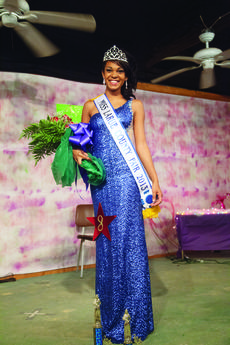 """<div class=""""source"""">Photo by Melanie Wells</div><div class=""""image-desc"""">Patricia Gibson, 17, of Hodgenville, was crowned Miss LaRue County Fair Monday.</div><div class=""""buy-pic""""><a href=""""/photo_select/28407"""">Buy this photo</a></div>"""