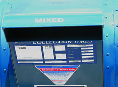 """<div class=""""source"""">Morgan Rose</div><div class=""""image-desc"""">A """"mixed"""" mail receptacle greeted customers at the Hodgenville Post Office Monday.</div><div class=""""buy-pic""""><a href=""""http://web2.lcni5.com/cgi-bin/c2newbuyphoto.cgi?pub=029&orig=po%2Bbox.jpg"""" target=""""_new"""">Buy this photo</a></div>"""