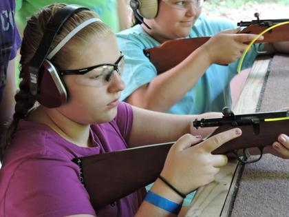 Hannah Perry at rifle class.