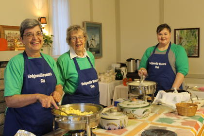 Ladies from the Hodgenville Womans Club served up a feast for the Traditional Country Breakfast.