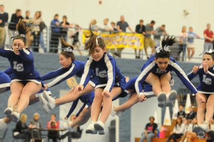 LaRue&#039;s varsity cheerleaders perform at Central Hardin.