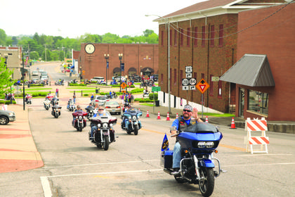A large group of motorcyclists took part in the poker run on Saturday, April 29 held in Hodgenville, KY. The poker run was held to bring awareness and raise proceeds for the children's program at SpringHaven Domestic Violence shelter.