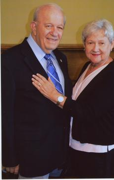 """<div class=""""source"""">Submitted Photo</div><div class=""""image-desc"""">Larry and Sandra Bell Now.</div><div class=""""buy-pic""""><a href=""""/photo_select/64531"""">Buy this photo</a></div>"""