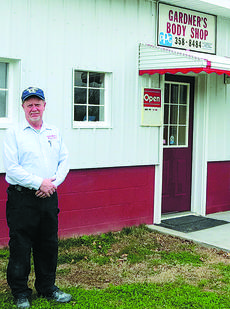 """<div class=""""source"""">Photo by Ron Benningfield</div><div class=""""image-desc"""">Owner Tommy Gardner has refurbished Gardner's Body Shop on Lincoln Farm Road.</div><div class=""""buy-pic""""><a href=""""/photo_select/45804"""">Buy this photo</a></div>"""