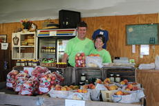 "<div class=""source"">Doug Ponder</div><div class=""image-desc"">Jeremy and Joanna Hinton are the owners of Hinton's Orchard and Farm Market. The farm market at the orchard sells a large line of vegetables, produce, flowers, plants, beef and pork products, fresh baked goods, ice cream and several other gift items.</div><div class=""buy-pic""><a href=""/photo_select/43305"">Buy this photo</a></div>"