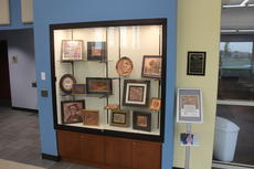 "<div class=""source"">Photo by Ben Loyall</div><div class=""image-desc"">Thomas Hammett's artwork on display at the LaRue County Public Library.</div><div class=""buy-pic""><a href=""/photo_select/63382"">Buy this photo</a></div>"