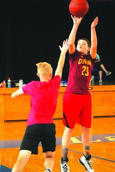 """<div class=""""source"""">Kaylan Anderson</div><div class=""""image-desc"""">Daniel Allen shooting jumpshot in the 2018 Future Hawk Basketball Camp.</div><div class=""""buy-pic""""><a href=""""/photo_select/59581"""">Buy this photo</a></div>"""