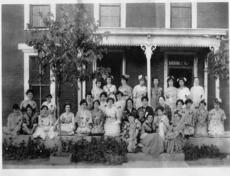 """<div class=""""source""""></div><div class=""""image-desc"""">Nancy Raine of Hodgenville shares this undated photo for our readers. The women, some of who were active in the World War I blood drives, are identified. If you know where the photo was taken or on what occasion, please call the Herald News at 358-3118. Front, on steps, from left, Lettie Starks, Myron Gaddie, Klara Solomon, Allye Buckham, Mrs. Hal Walters; second row, Laura Davis, Anna Mae Thomas, Naomi Gibons, Mrs. G.D. Hayes, Flordia Hayes, Fannie Pettit, Louise Enlow, Mrs. A.S. Ferrill, Mrs. Herbert Cofer, Jennie Cox, Velma Neville, Mrs. Jeff Kennedy, Mrs. Bessie Perry, Cad Burba; third row, Kate Walters, Mary Hynes Ganoway, Maud Patterson, Margaret Slaughter, Mrs. Roy Munford; back, Mrs. Charles R. Creal, Mrs. Hugh Chenault, Anna Louise Whaley, Elizabeth Gaddie, Fannie Smock, Mrs. John Van Meter, Mrs. P.A. Taylor and Ruth Scrivner. </div><div class=""""buy-pic""""><a href=""""/photo_select/18609"""">Buy this photo</a></div>"""