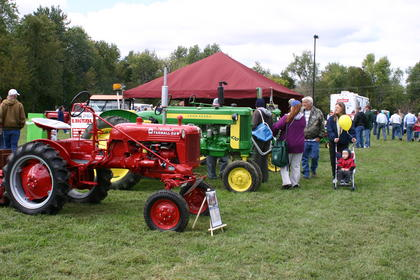 Tractor show at Creekfront