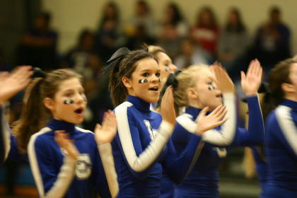 LaRue County cheerleaders