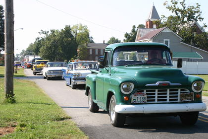 Classic vehicles joined the Sonora Days Parade.