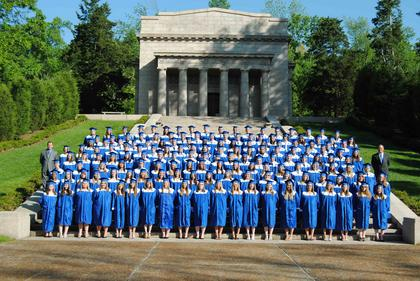 The class of 2011 group photo was taken at Abraham Lincoln's birthplace on Lincoln Farm Road.