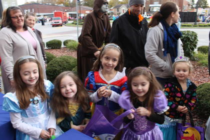 The Hoffman sister dressed up as princesses Alice, Meida, Snow White and Sophia Pictured from left to right are Faith, 6, Isabel, 5, Christiana, 6 and Maya, 5. Pictured at far right is princess Arial, Raelynn Cundiff, 5.