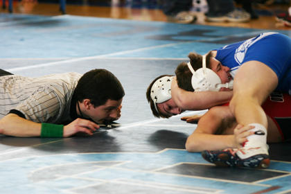 Eighth-grader Griffin Dulak pinned Nick Givishvili of Owensboro in 26 seconds in a consolation round.