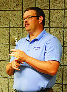 Todd Drake, energy services coordinator for Nolin RECC, spoke to the National Active and Retired Federal Employees. He presented 14 energy saving tips to the membership.